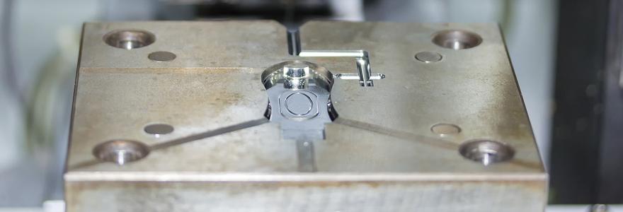 Moule injection plastique